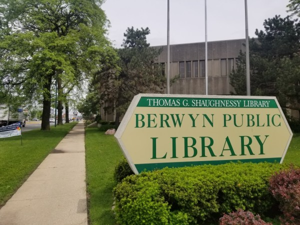 Berwyn public library sign